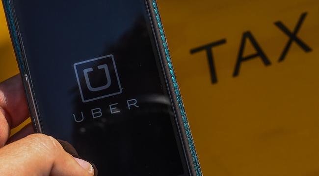 Uber, Grab đóng thuế khác gì so với taxi truyền thống?