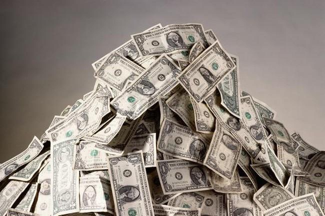 Cần kiếm được bao nhiêu tiền để lọt vào 1% những người giàu nhất mỗi lứa tuổi?