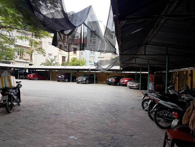 """Hà Nội: Bỏ hoang """"đất vàng"""" tại 76 Nguyễn Chí Thanh"""