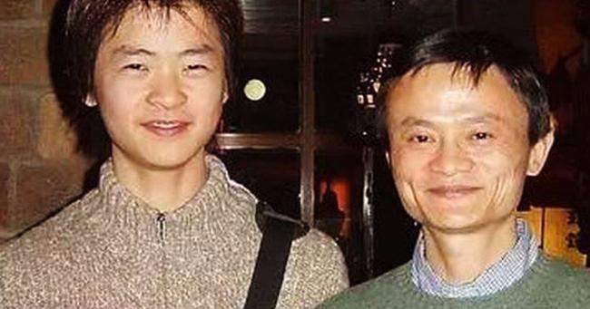 Jack Ma dặn con trai phải nhớ 9 điều, điều thứ 6 vận vào hầu hết chúng ta!