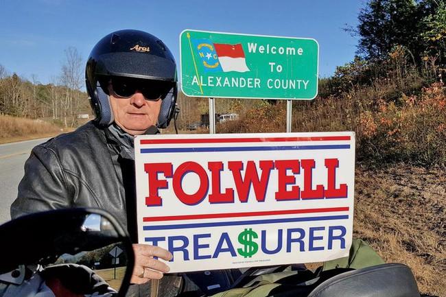 """Ông chủ quyền lực của quỹ hưu trí 90 tỷ USD """"chia tay"""" phố Wall"""