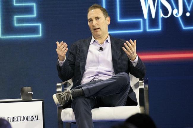 Nhân vật này ở Amazon đang được trả lương cao hơn cả CEO Jeff Bezos, vì sao vậy?