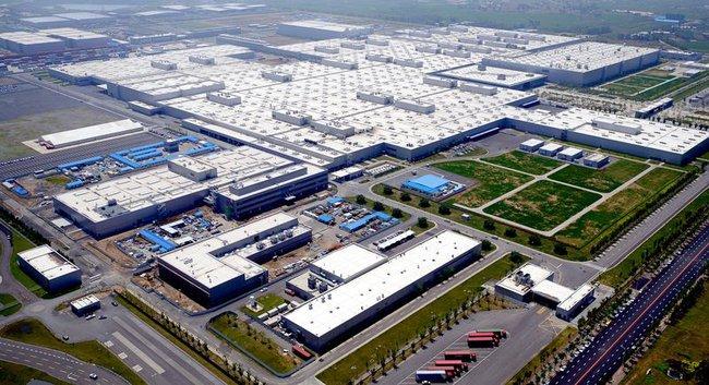 BMW dự kiến tạm dừng sản xuất xe ở Trung Quốc và Nam Phi