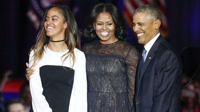 """8 năm lớn lên trong Nhà Trắng, hai ái nữ nhà Barack Obama """"vui nhiều mà buồn cũng không ít"""""""