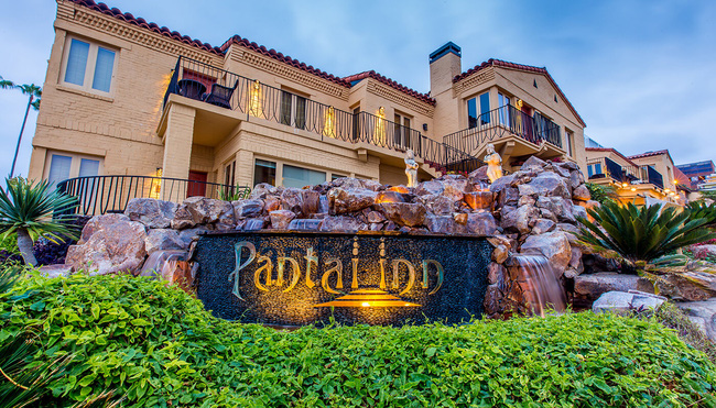 Nếu đã một lần ghé qua San Diego, Mỹ, bạn không thể bỏ qua khách sạn đẹp như mơ này
