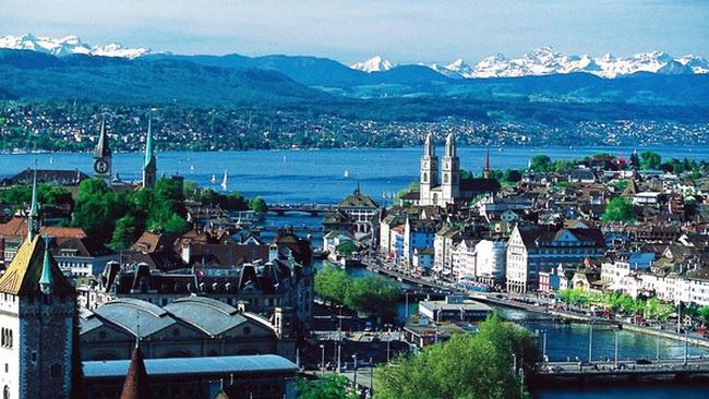 Những điều đặc biệt ở quốc gia giàu có bậc nhất thế giới Thụy Sĩ: Người dân có quyền sửa Hiến pháp, được nhận hàng nghìn USD/tháng bất kể giàu nghèo, lớn bé