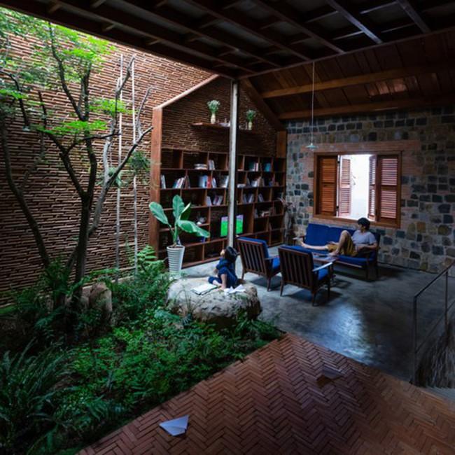 """Ngôi nhà ở Lâm Đồng """"gây sốt"""" với thiết kế đẹp như """"hang động trên mặt đất"""""""