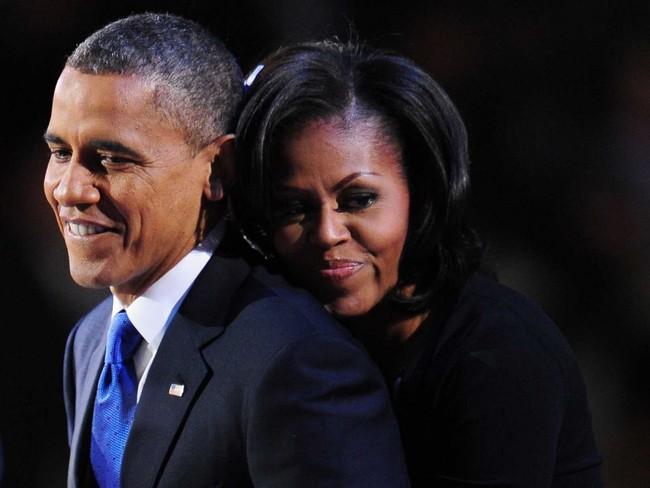 Chiêm ngưỡng những hình ảnh đẹp mắt trong chuyến du lịch thú vị nhất của vợ chồng ông Obama kể từ khi rời khỏi Nhà Trắng
