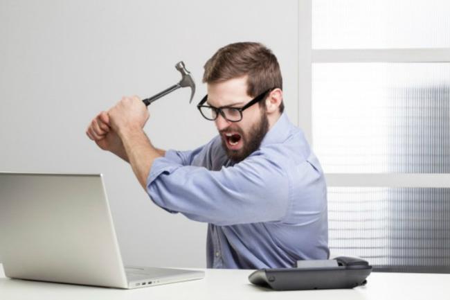 """VN-Index """"tằng tằng"""" vượt 800 điểm mà tài khoản vẫn lỗ, nên làm gì?"""