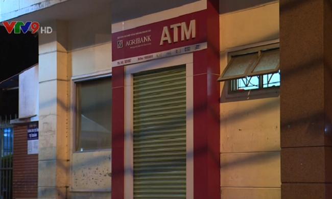 Người dân phản ứng về quyết định hạn chế giờ hoạt động ATM
