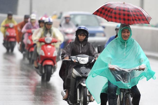 Miền Trung mưa lớn, miền Bắc đón không khí lạnh