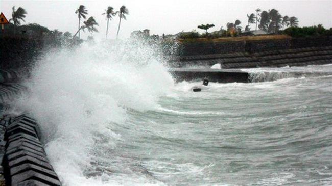 Chiều tối nay bão số 4 đổ bộ Hà Tĩnh - Quảng Trị
