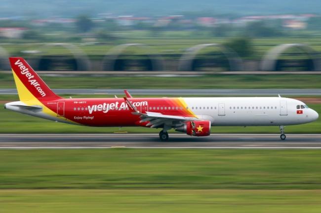 Máy bay Vietjet đi Seoul hạ cánh khẩn cấp tại Nội Bài