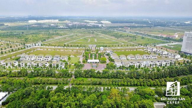 Thị trường đất nền sôi động và lan trên diện rộng vào cuối năm?