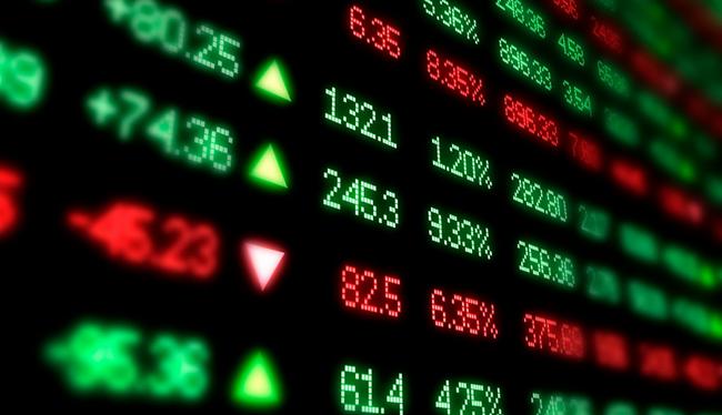 """Thị trường """"đỏ lửa"""", khối ngoại trở lại mua ròng trong phiên đầu tuần"""