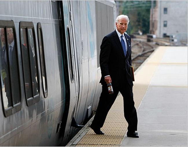 Câu chuyện cảm động về cựu Phó tổng thống Mỹ 44 năm đi làm bằng tàu hỏa