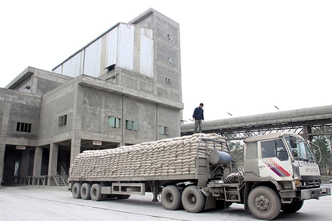 Doanh thu sụt giảm, chi phí tăng mạnh, xi măng Bỉm Sơn lỗ ròng 33 tỷ đồng trong quý 2