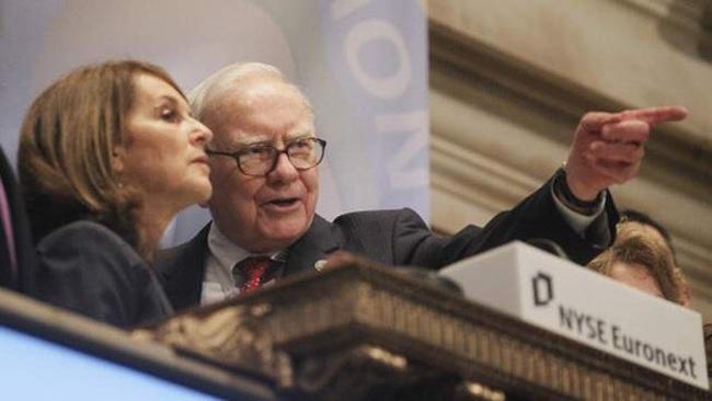 Chân dung cô gái 25 tuổi được Warren Buffett nhận làm trợ lý, 29 tuổi lên chủ tịch 4 công ty con của Berkshire Hathaway