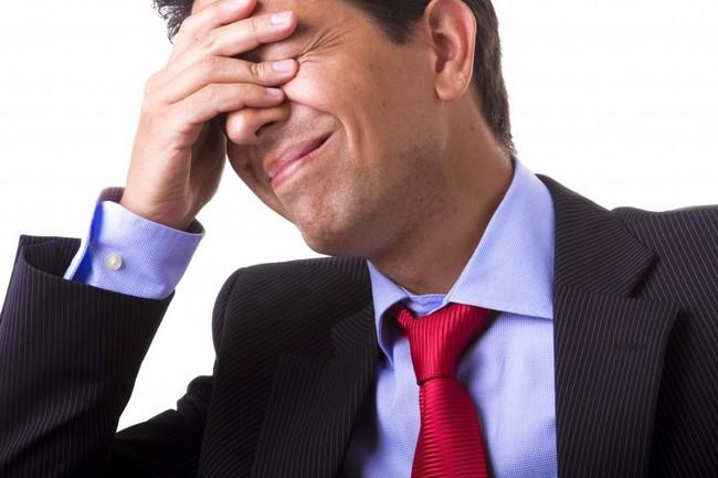 Thua lỗ, kẹp hàng trong đầu tư chứng khoán, nhà đầu tư nên hành động ra sao?