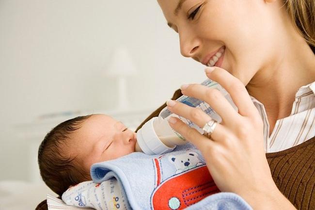 Giữ quy định nuôi con nhỏ được nghỉ 60 phút/ngày để vắt sữa, cho con bú