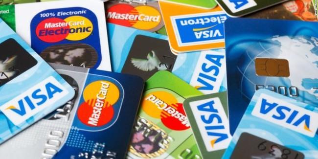 """10 sai lầm khi dùng thẻ tín dụng khiến nhiều người """"ném tiền qua cửa sổ"""" mà không hay biết"""