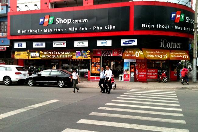 Cổ đông FPT đừng vội mừng: Khả năng cao sẽ không có lợi nhuận đột biến từ thoái vốn FPT Shop trong quý 3
