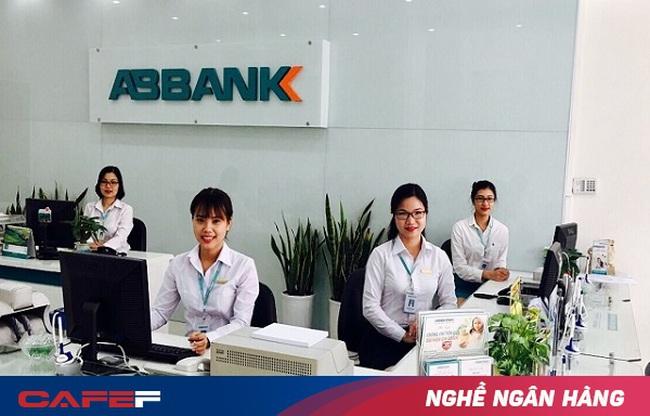 Điều gì khiến một giao dịch viên từng có ý định nghỉ việc lại gắn bó với ngân hàng đến nay 13 năm?
