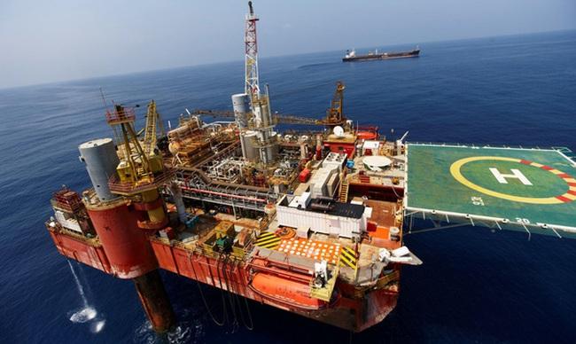 Việt Nam bán dầu thô cho Malaysia còn rẻ hơn xuất sang Trung Quốc