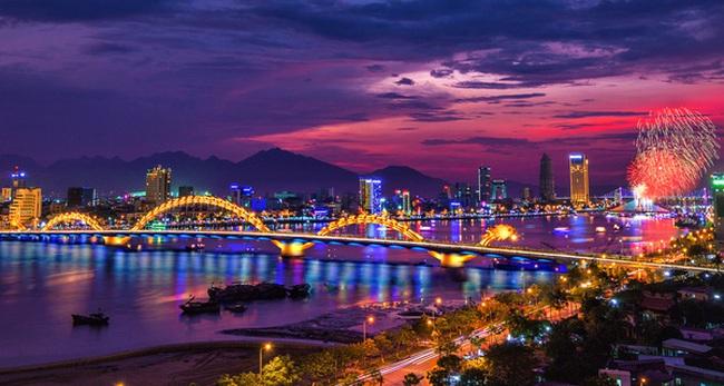Nhìn Đà Nẵng 'cất cánh' du lịch nhờ hàng không, có nên áp giá sàn vé máy bay?