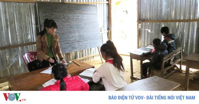 Quảng Bình kiểm điểm Chủ tịch huyện vì điều chuyển hàng loạt cán bộ