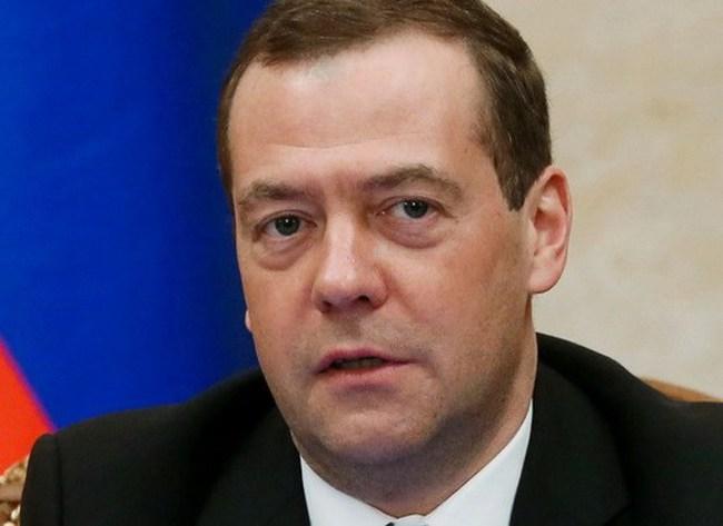 """Ông Medvedev: Mỹ cách viễn cảnh đụng độ với Nga """"một bước chân"""""""