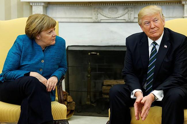 Tổng thống Trump phớt lờ cái bắt tay với bà Thủ tướng Đức Merkel