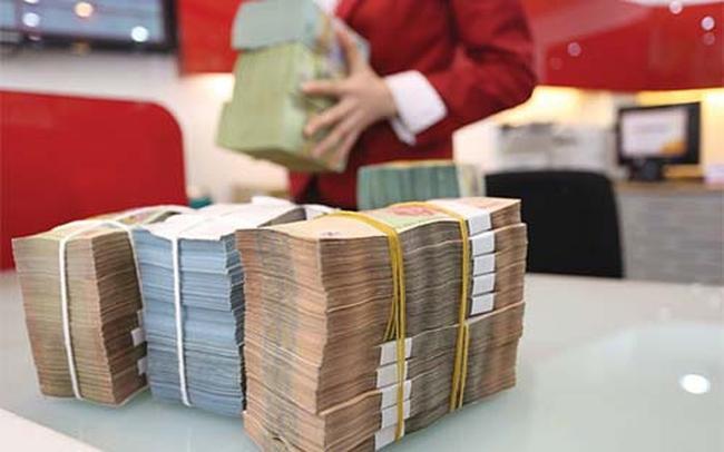"""""""Đổ xô"""" tìm vốn trái phiếu: Giải pháp tình thế của ngân hàng?"""