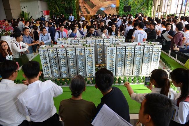 Không hạ giá bán, bằng cách này các chủ đầu tư đang đẩy thanh khoản của các dự án tăng cao