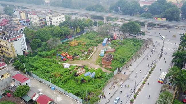 Đất 'vàng' Hà Nội mướt... cỏ dại vì dự án triệu USD 'ngủ đông'
