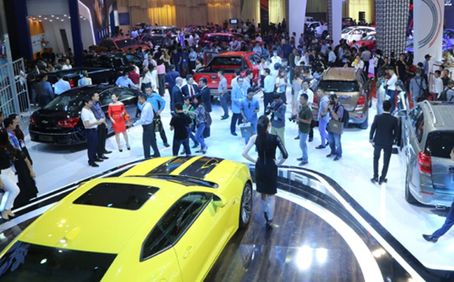 """VMS 2017: """"Cú hích"""" tiêu dùng ôtô cuối năm?"""