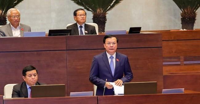 """Đại biểu lo người Việt """"nặng gánh"""", Bộ trưởng nói thuế Việt Nam chỉ ở mức trung bình thấp"""