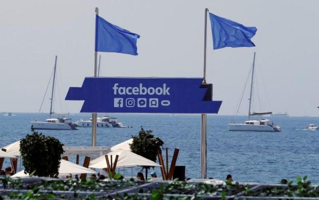 Facebook mở chương trình đào tạo chống khủng bố