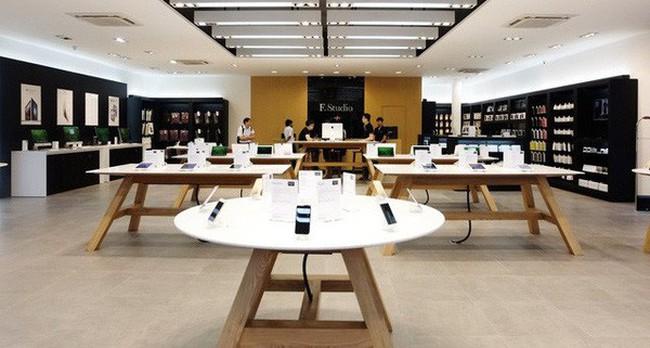 Lãnh đạo Apple tới Việt Nam chọn mặt bằng: Store phải tránh xa tiệm đồ lót, đồ ăn nhanh KFC, McDonald's, nằm trong TTTM càng tốt