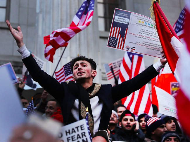 Đơn kháng cáo của Bộ Tư pháp Mỹ bị bác, Mỹ ngừng thi hành sắc lệnh nhập cư của ông Trump