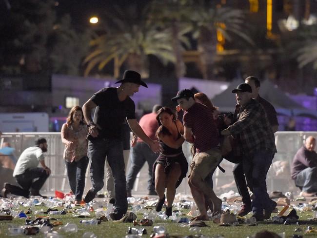 Những khoảnh khắc kinh hoàng trong vụ xả súng ở Las Vegas