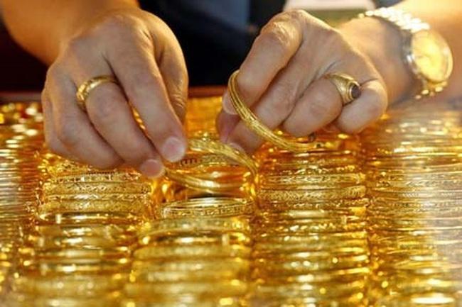 Giá vàng giảm nhẹ phiên đầu tuần