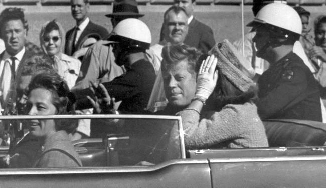 """Có """"giải mã"""" vụ ám sát Tổng thống Mỹ Kennedy?"""