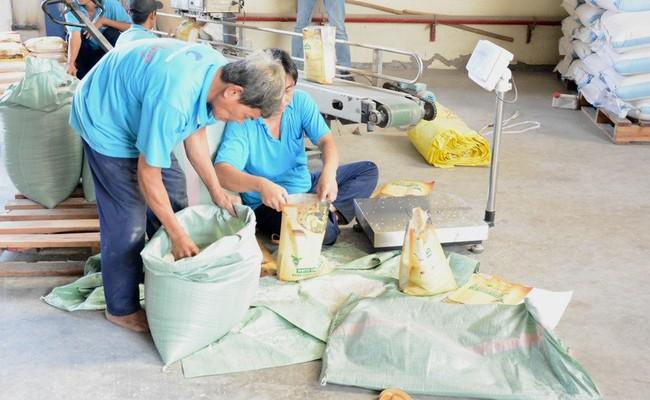 Trung Quốc 'ăn' gần 50% lượng gạo Việt Nam