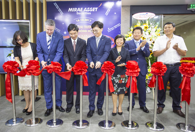 Sau tăng vốn lớn là đổi trụ sở chính, Mirae Asset Việt Nam đang tham gia mạnh hơn và thị trường chứng khoán Việt
