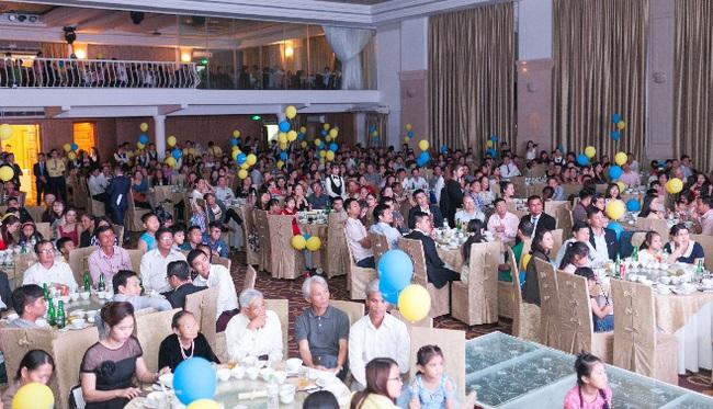 Gần 1.000 khách hàng tham dự gala kỷ niệm 8 năm thành lập Phú Gia Thịnh