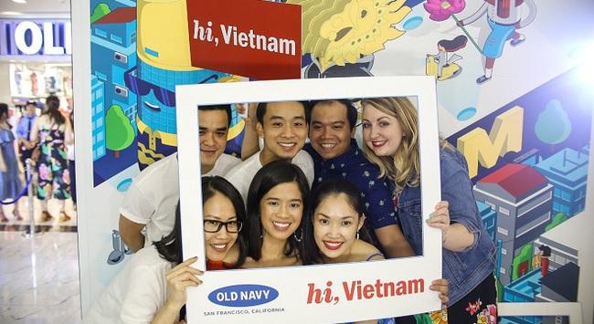 Tưng bừng khai trương cửa hàng thời trang Old Navy đầu tiên tại Việt Nam