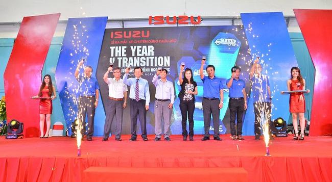 Thương hiệu lớn ngành xe tải - Isuzu chính thức gia nhập thị trường xe chuyên dùng Việt Nam