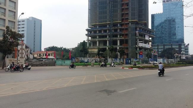"""Dự án 21 Lê Văn Lương bất ngờ """"hồi sinh"""" sau nhiều năm đình trệ"""