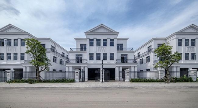 Bàn giao các căn biệt thự đầu tiên tại Vinhomes Riverside - The Harmony